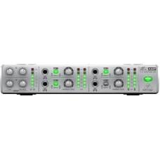 BEHRINGER AMP800 - 4-канальный микшер-усилитель для наушников