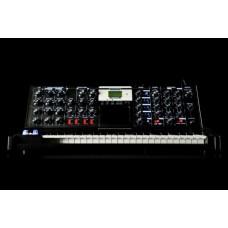 Moog Minimoog Voyager Electric Blue Edition аналоговый синтезатор, 44кл