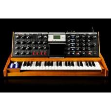 Moog Minimoog Voyager Performer Edition аналоговый синтезатор, 44кл