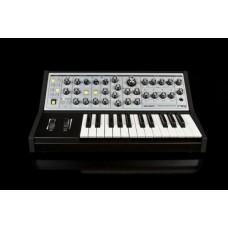 Moog Sub Phatty аналоговый синтезатор, 25кл