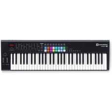 NOVATION Launchkey 61 MK2 миди-клавиатура с полноцветными пэдами